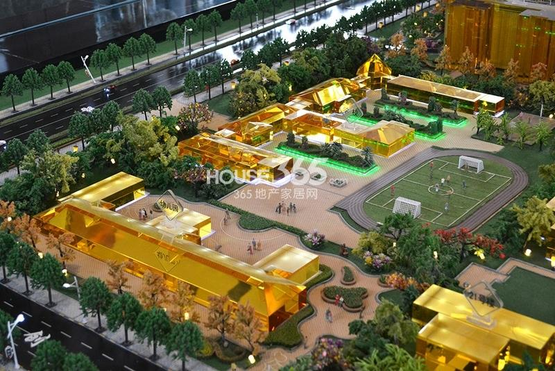 国润城小学和幼儿园所在位置沙盘图(2013年7月15日)