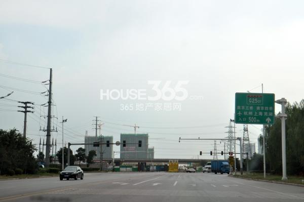 翠屏九溪诚园附近3号线地铁在建(8.15)