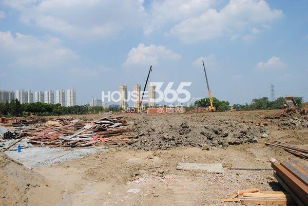 朗诗太湖绿郡工地实景(2013.8 摄)