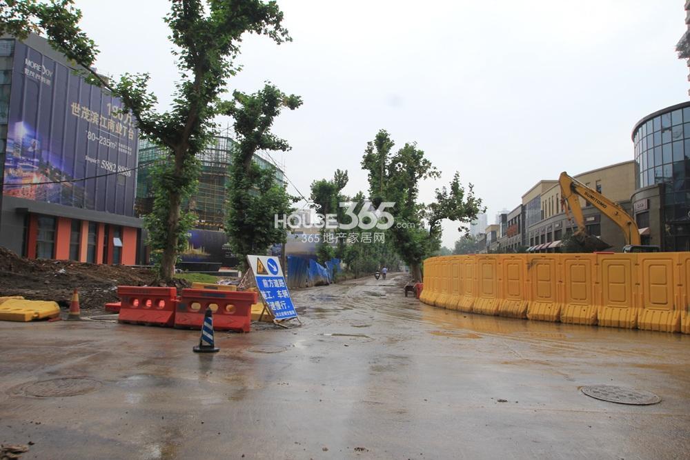 世茂外滩新城沿唐山路茂悦港商铺实景图(10.12)
