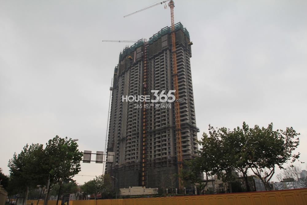 世茂外滩新城6号楼超高层施工实景图(10.12)