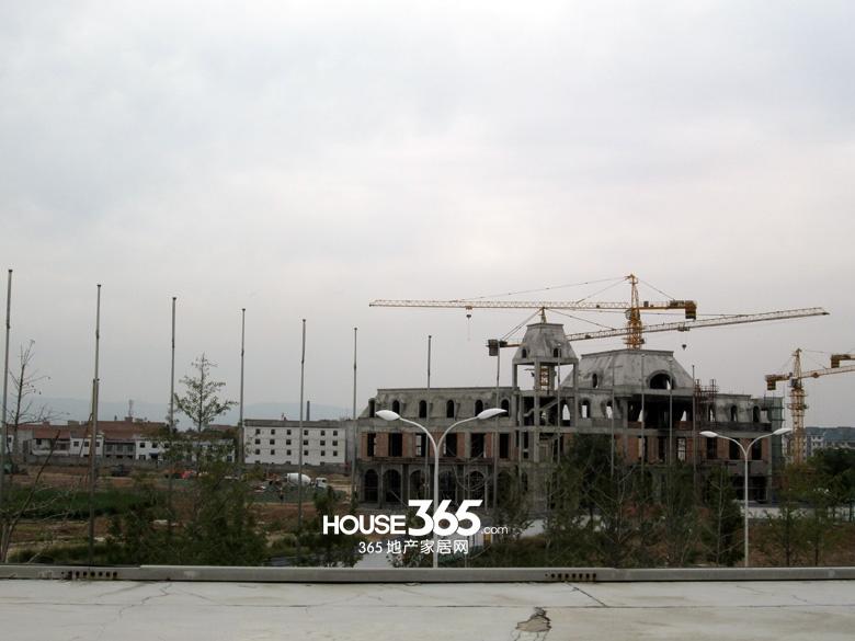 世园大公馆售楼处施工进度图(20130829)
