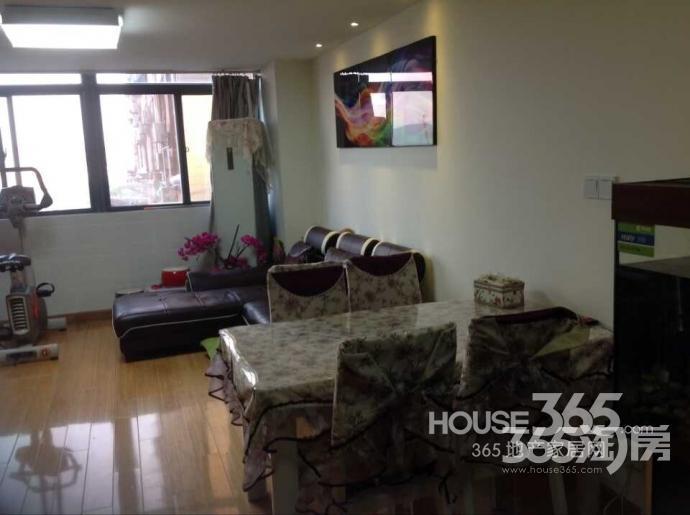尚景公寓3室1厅2卫65平方产权房精装