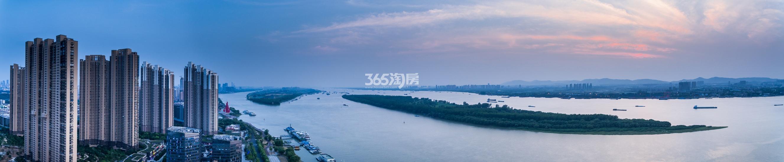 世茂外滩新城江景图(12.06)