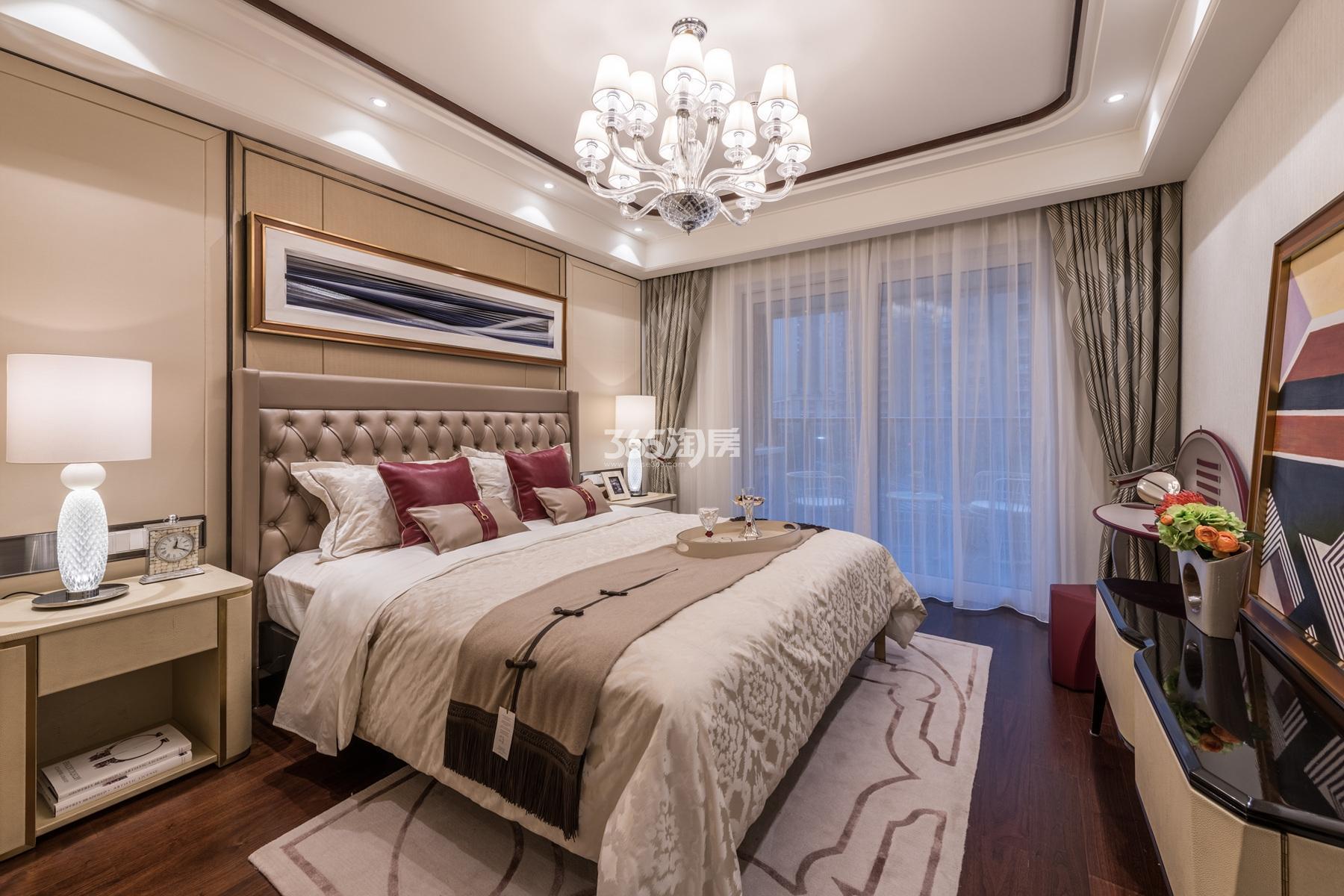 滨江保利翡翠海岸131方(A1户型)亚洲风格样板房---卧室