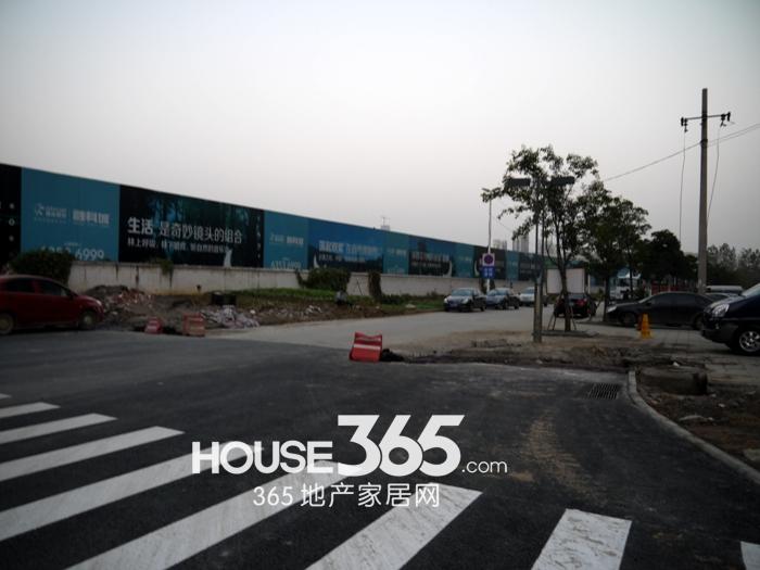 融科城周边配套道路(2012.11.15)