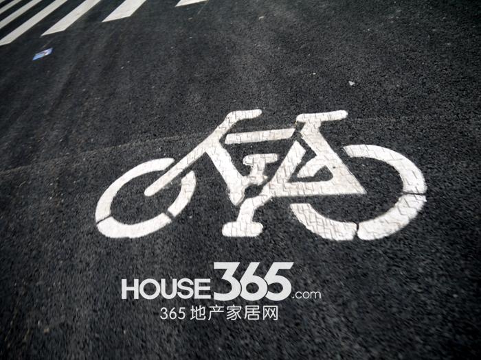融科城周边道路(2012.11.15)