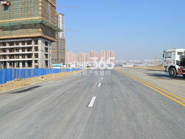 绿城玉兰广场交通配套——建设中的长沟路