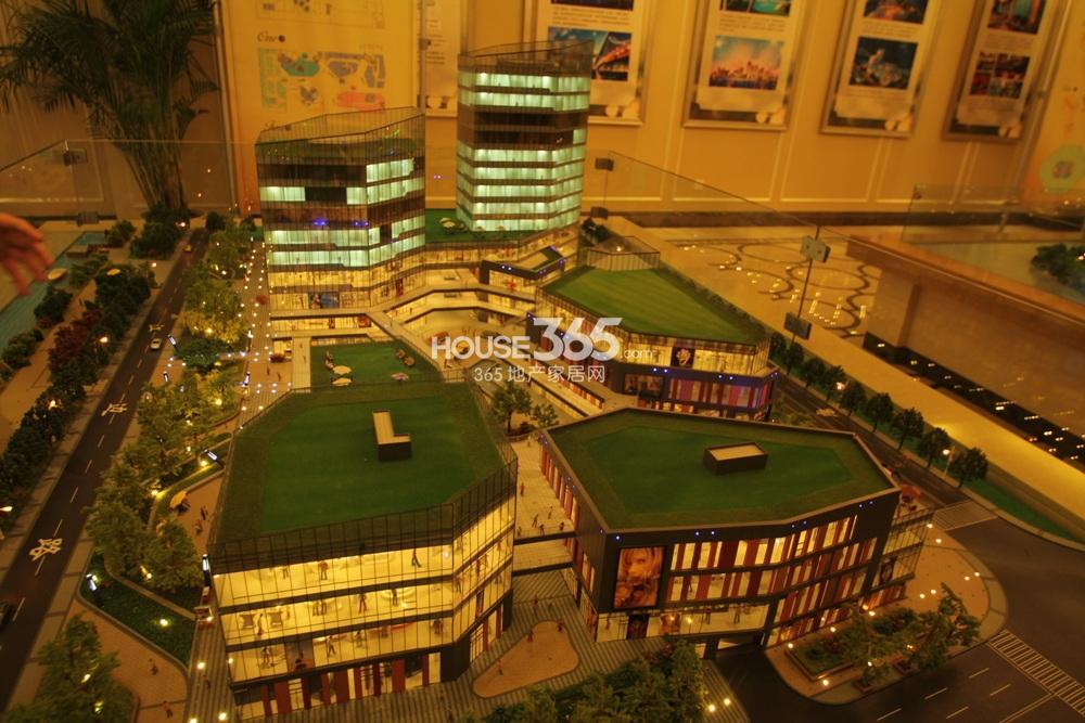 世茂外滩新城售楼处沙盘实景图(12.23)