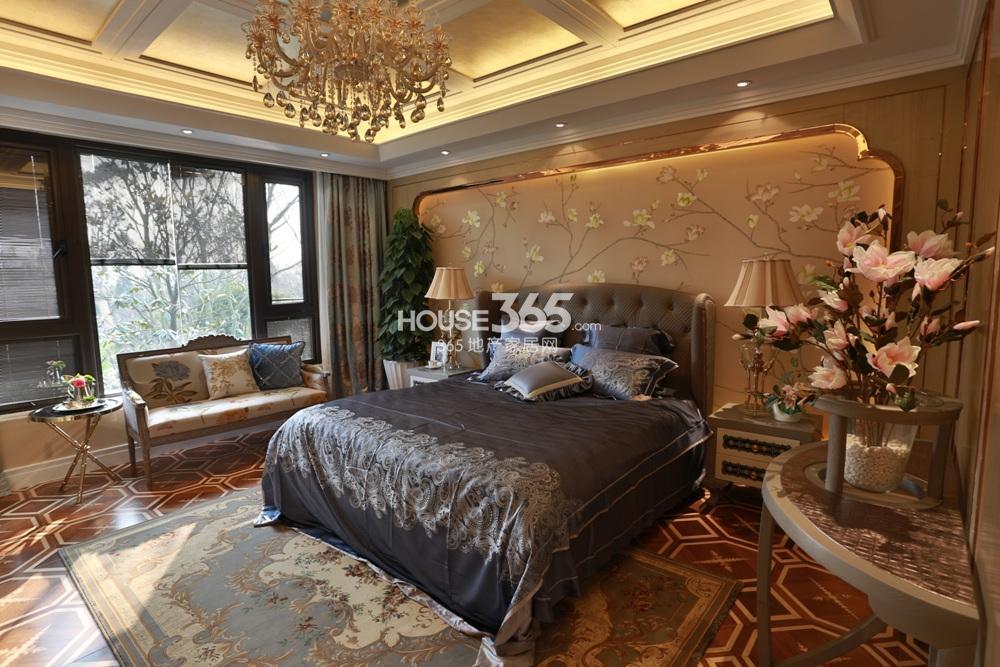世茂石湖湾E户型样板间 卧室