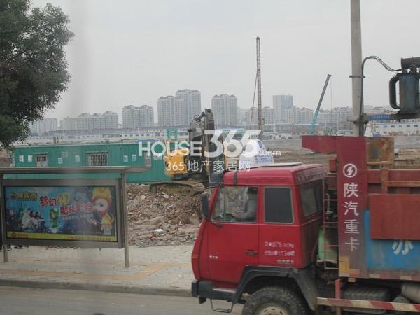 龙湖龙誉城龙城天街工程进度(2014.3.6)