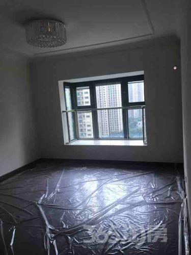 恒大雅苑3室2厅2卫148平米精装产权房2018年建