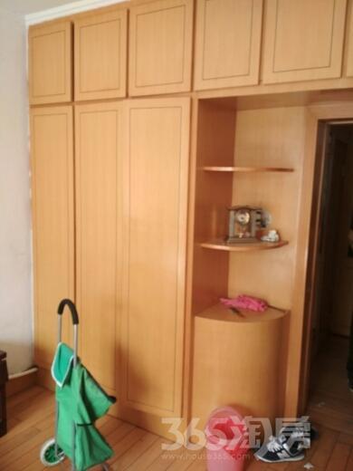 佳园小区3室1厅1卫88平米2002年产权房简装
