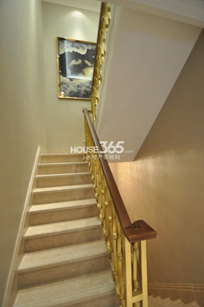 高科荣境385㎡跃墅样板间——楼梯(一楼)