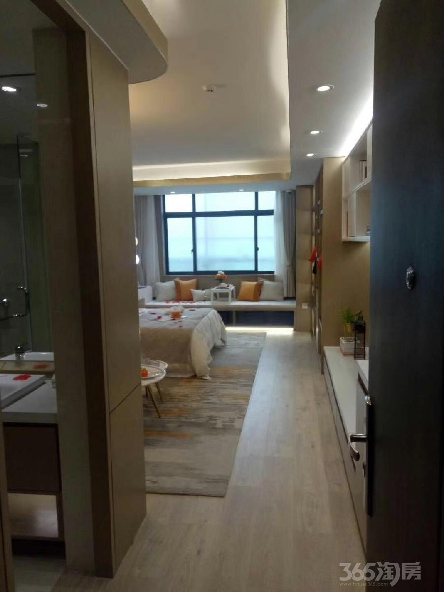 相城区绿地都会中心2室1厅1卫60�O