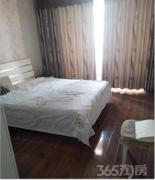 维多利亚2室2厅1卫110平精装