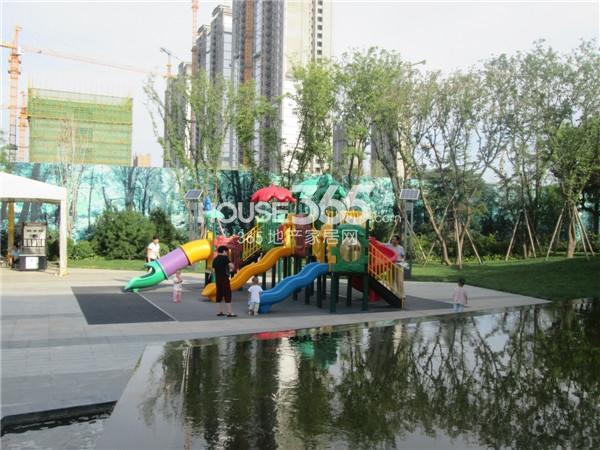 国润城园林景观实景(2014.8.13)