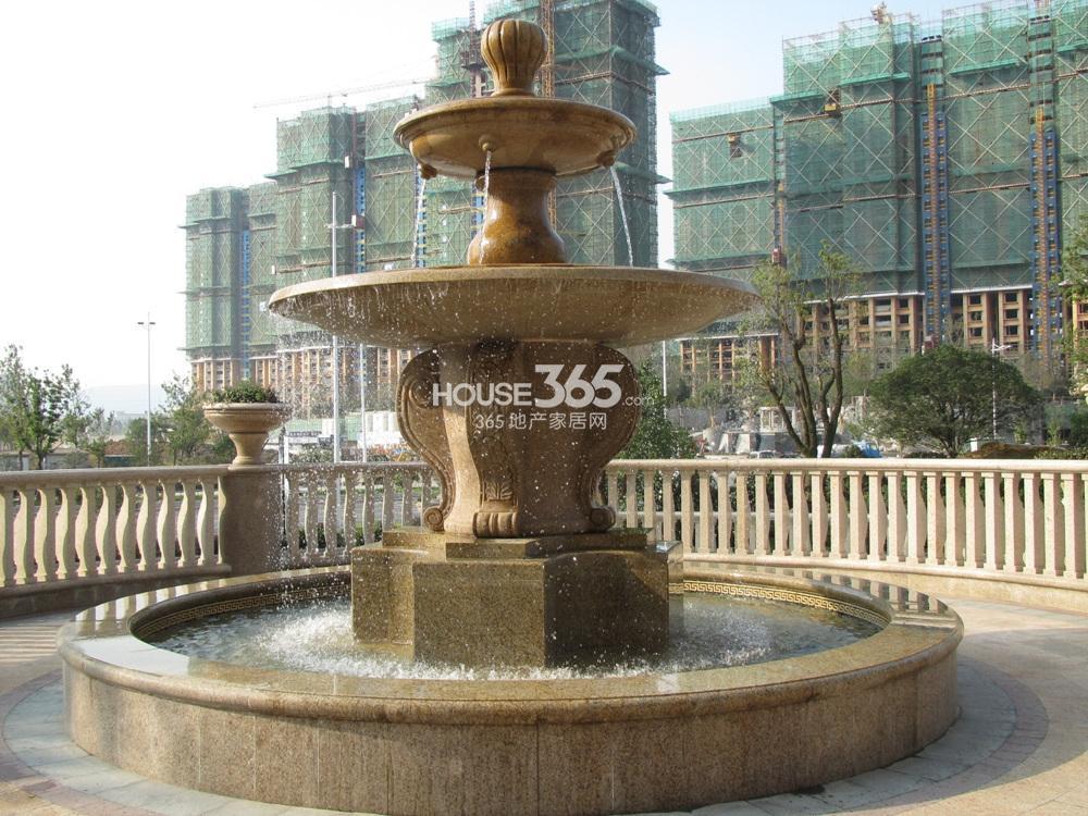 雅居乐滨江国际小区内景观实景图(10.22)