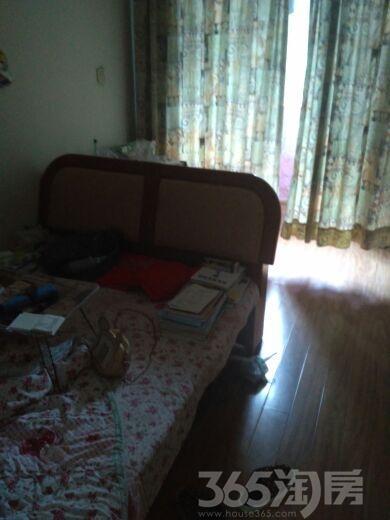 黄果山小区3室1厅1卫67平米90年产权房简装