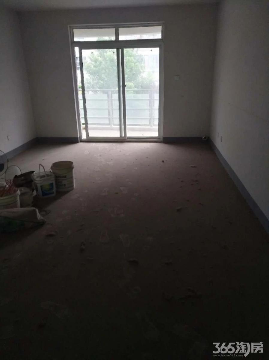 鸿裕华庭4室2厅2卫142平方产权房毛坯