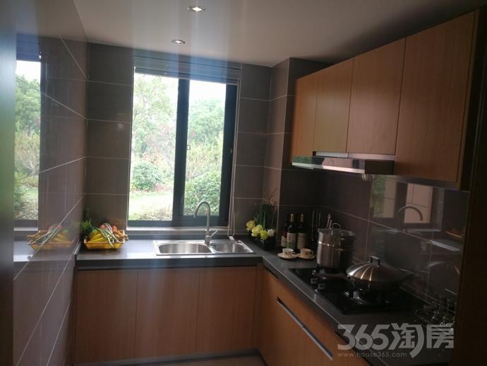 新江北孔雀城2室2厅1卫86平米2016年产权房精装