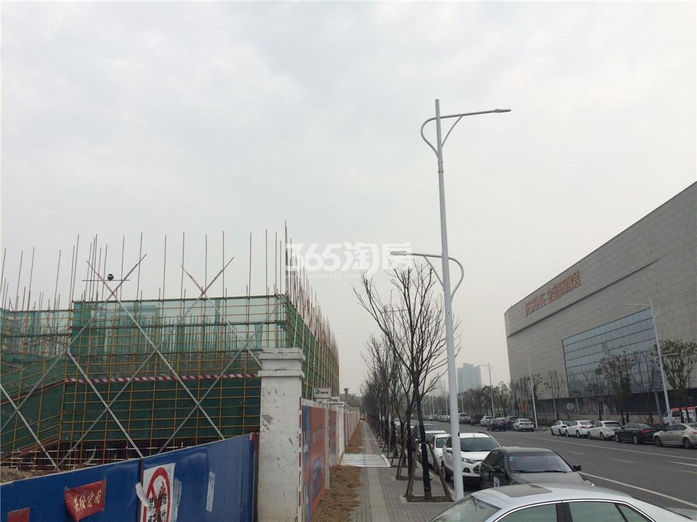 南京建邺新城吾悦广场实景图