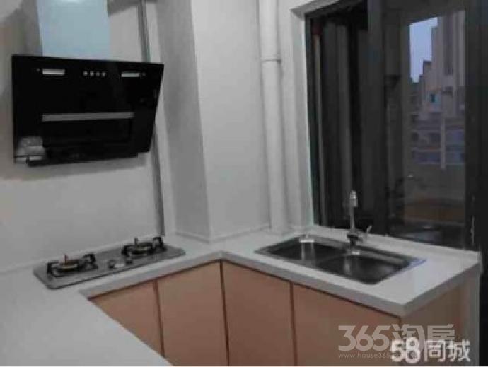 朝辉东方城3室2厅2卫117平米中装产权房2013年建