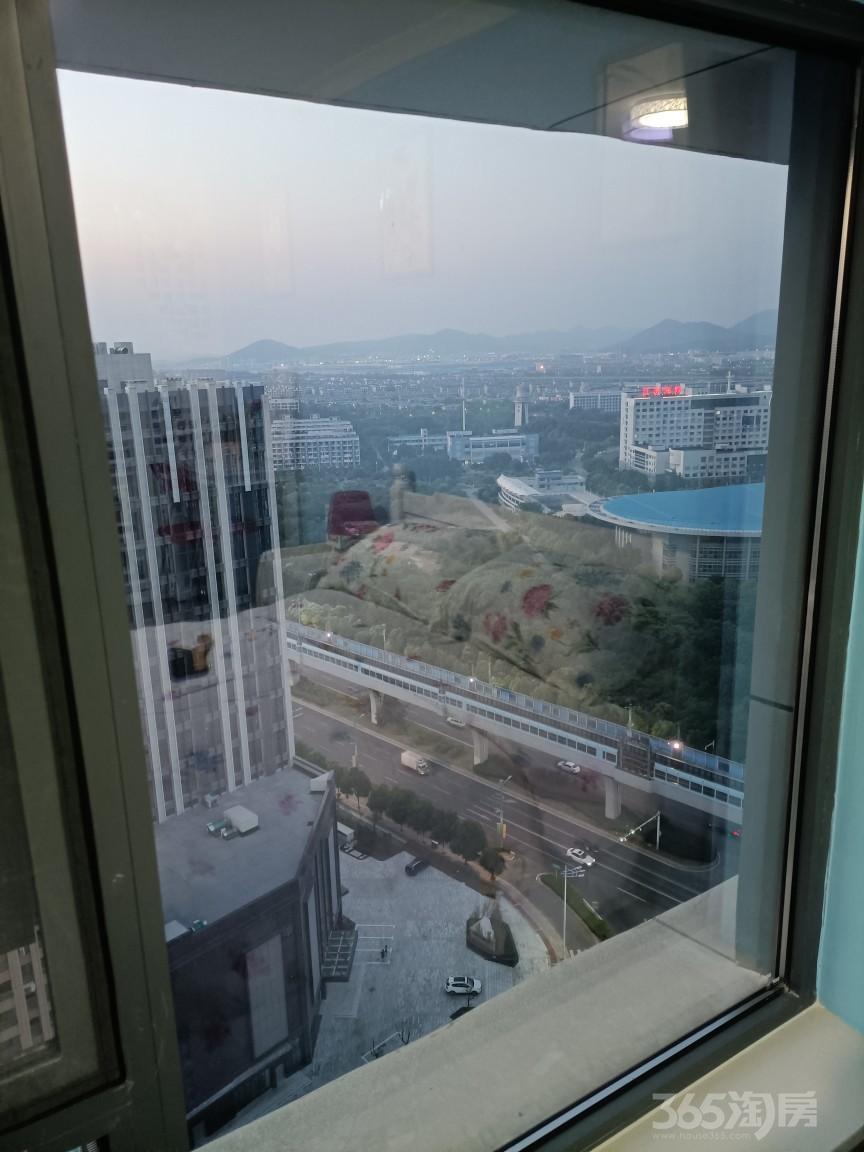 龙湖新壹城1室1厅1卫30.00平米整租精装
