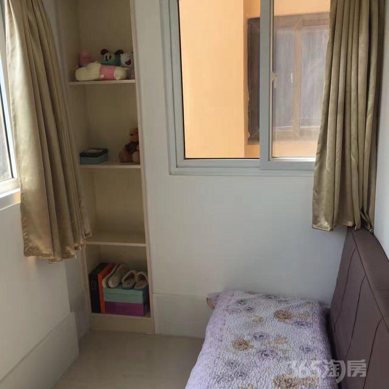 燕江新城山林苑2室1厅1卫70平米整租简装