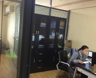 江宁万达写字楼61平方产权房产权房可注册公司