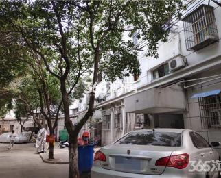 新街口 大行宫 南 科巷旁边 离夫子庙很近 靠公交地铁 水游城