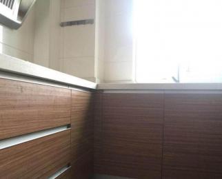 近地铁 精装二居室 精装拎包入住 看房方便 随时入住