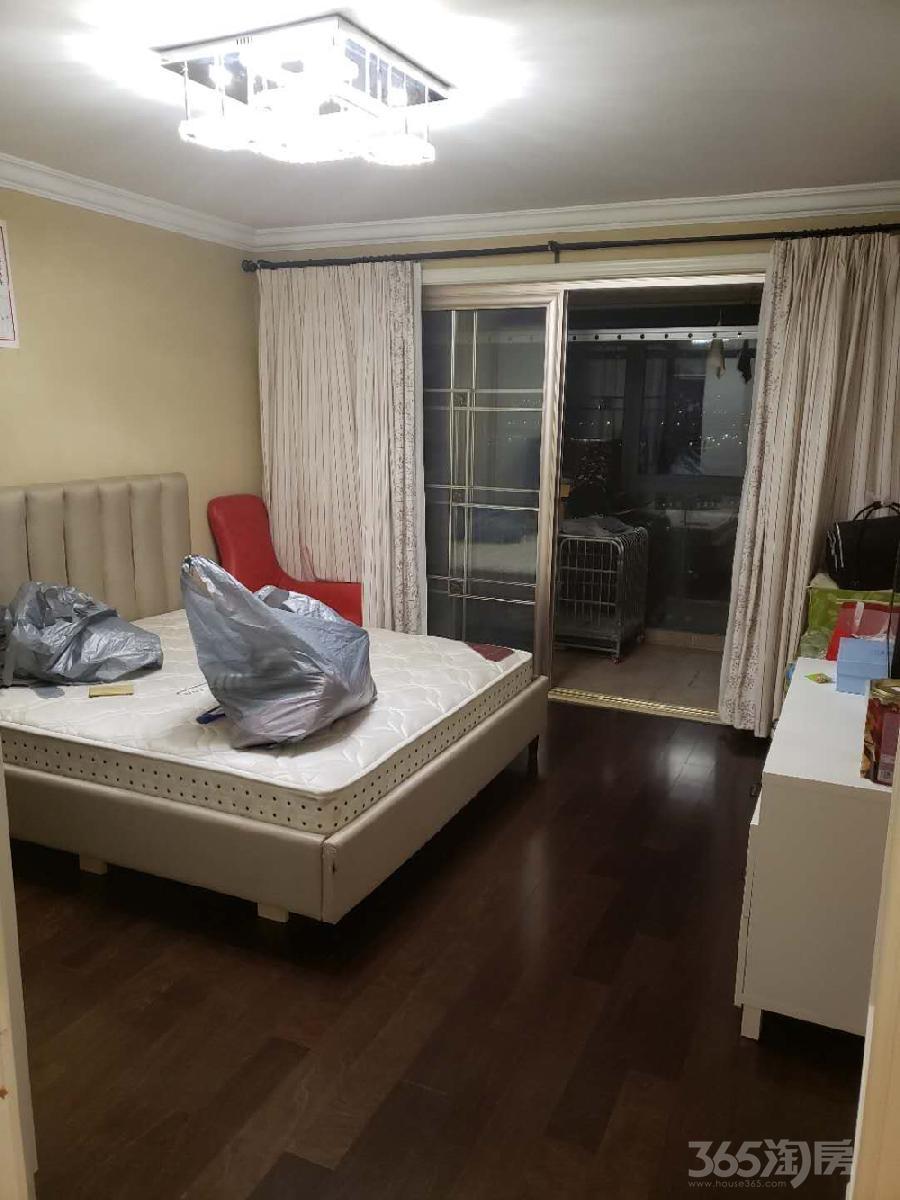 新桥家园3室1厅1卫112平方米220万