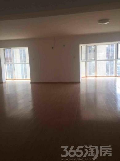 跃界花园4室2厅2卫245平米整租中装