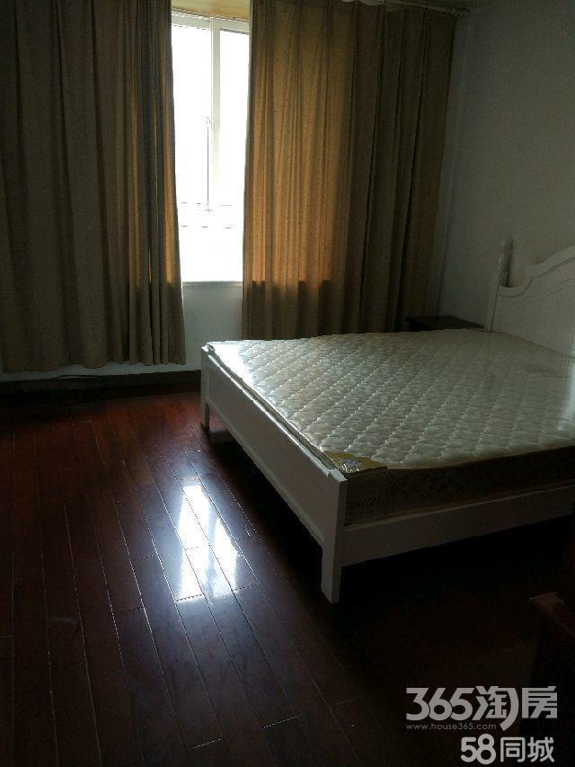 海尚·壹品2室1厅1卫100㎡合租只限女精装次卧