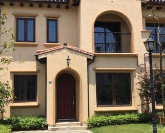 卧龙湖风情小镇联排别墅现房4室2厅3卫141�O258万元