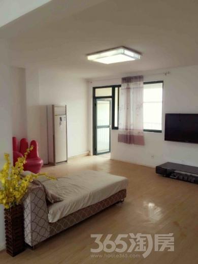 银湖华庭3室2厅1卫132.44平米整租精装