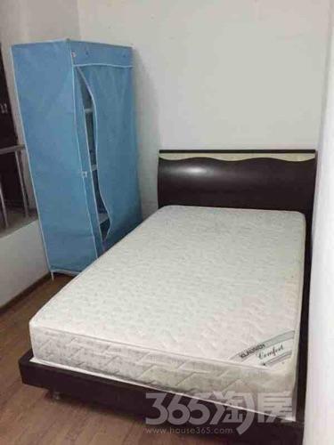 东景花园3室1厅1卫12平米合租简装