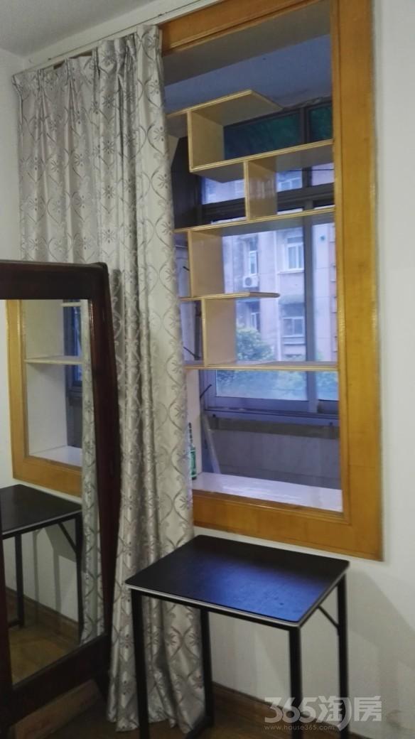 团结四村3室1厅1卫70平米整租简装