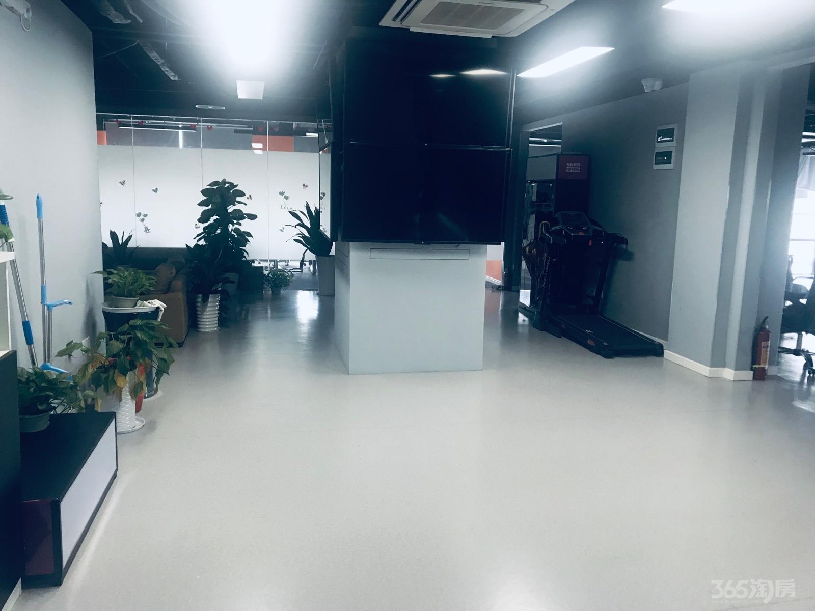 汇峰国际720平米精装整租 采光通透 拎包办公