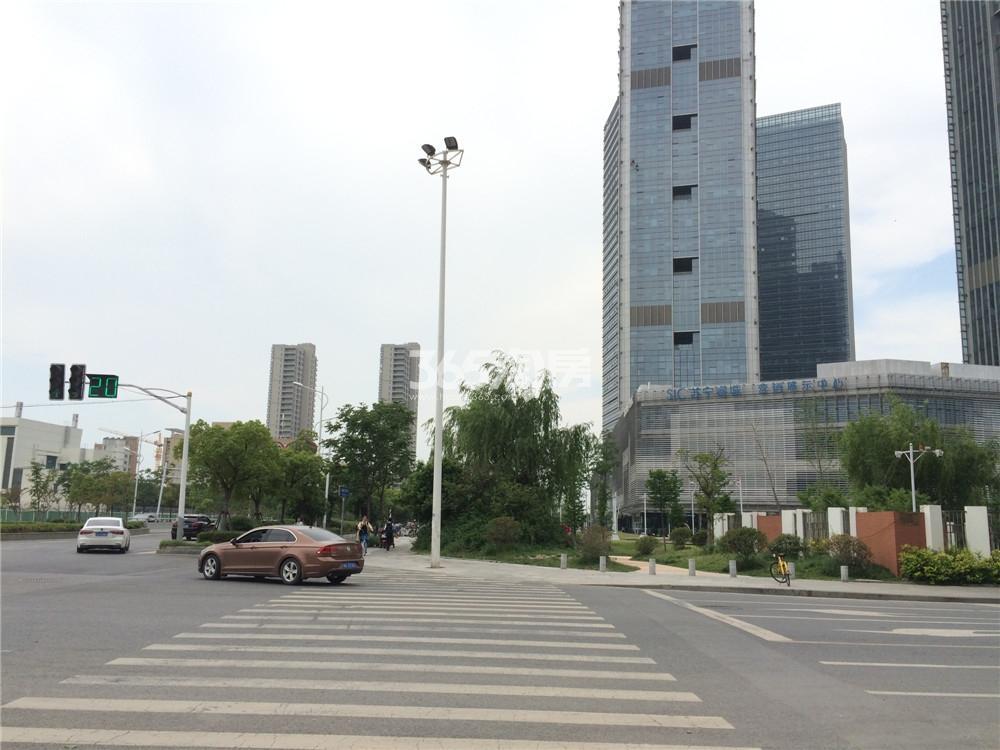 苏宁睿城实景图