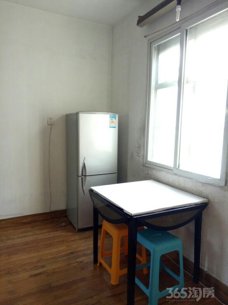 曹张新村2室0厅1卫44平米整租简装