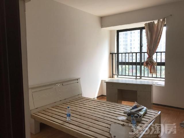 绿地世纪城派克公馆2室1厅1卫88㎡整租简装