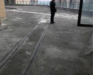 经开区 博雅海润广场大三室临江房 双证齐全 送超大平台