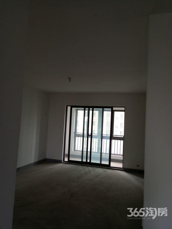 东方龙城绿竹苑3室2厅2卫134.93平方产权房毛坯
