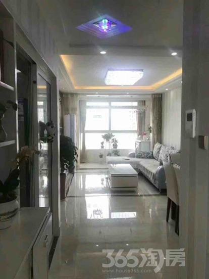东亚御景湾2室2厅1卫77平米精装产权房2010年建