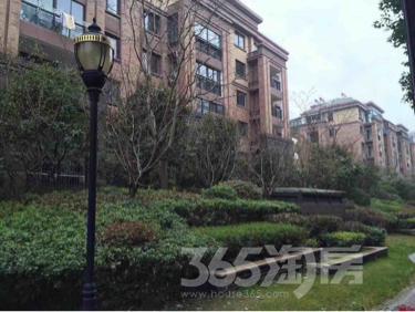 天悦容城3室2厅2卫127平米毛坯产权房2018年建