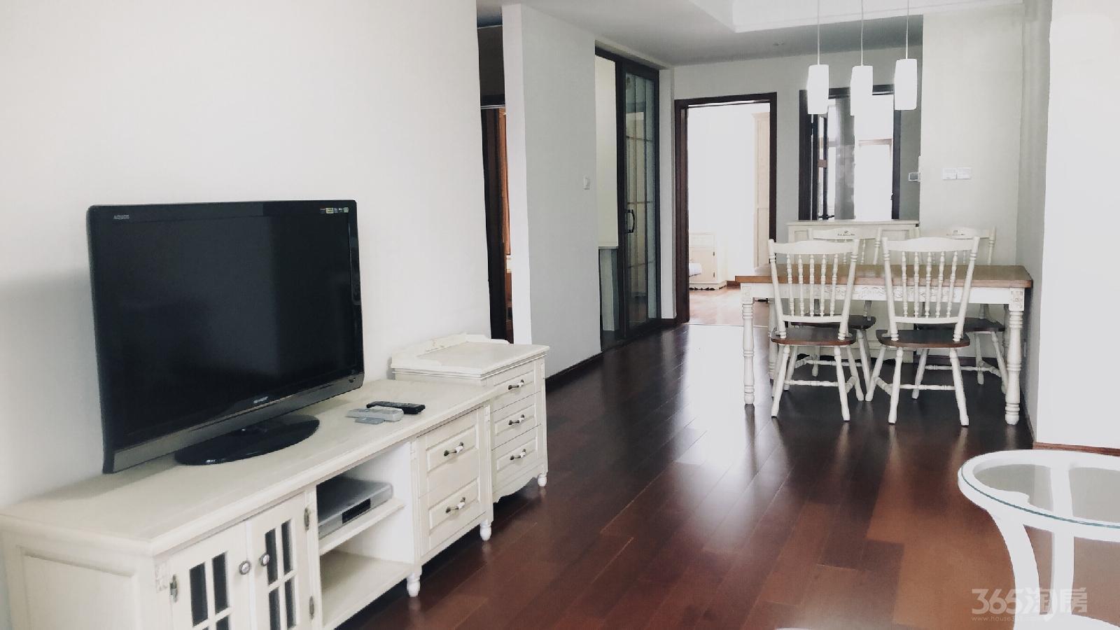 金地名京3室2厅1卫88平米豪华装产权房