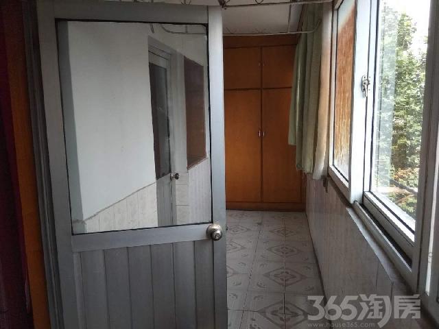 倒马井3室2厅1卫85�O整租简装