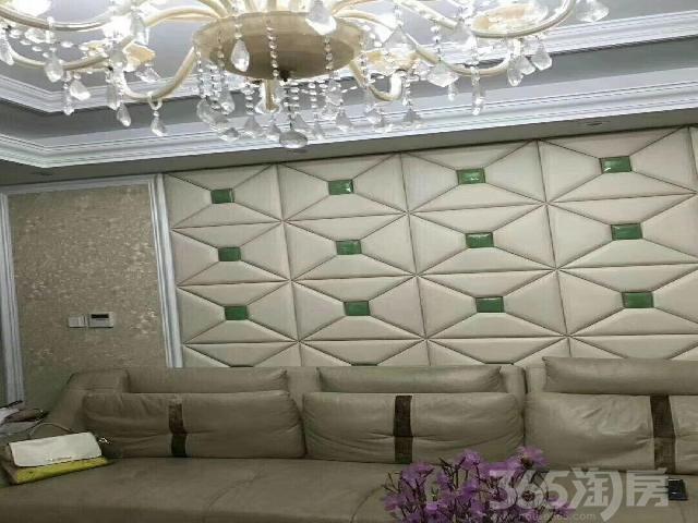 百合望月苑3室2厅2卫137�O2007年产权房精装